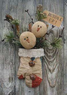 another treasure won use old quilts i have that are torn up. Christmas Love, Homemade Christmas, Christmas Snowman, Winter Christmas, Father Christmas, Christmas Trees, Snowman Crafts, Christmas Projects, Holiday Crafts