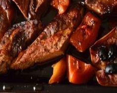 Rouelle de porc laquée et sa garniture de potiron rôti et de pommes French Toast, Continents, Breakfast, Food, Glazed Pork, Apples, Meat, Pork Roll, Morning Coffee