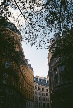 "breathtakingdestinations: "" London - England (by Nathan O'Nions) """