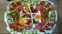 Így tálalj! Egy nagyszerű háziasszony csodás hidegtálai! - Egy az Egyben Party Platters, Vegetable Pizza, Vegetables, Food, Essen, Vegetable Recipes, Meals, Yemek, Veggies