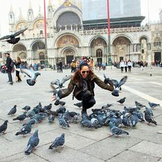 Enjoing in #venezia with #pigions #doves #piazzasanmarco #venice #italy #italia #birds #LOVES_ITALIA #loves_venezia #loves_veneto #loves_cultures #ig_veneto #ig_italy #ilovetravelling #ig_venezia_ by neths_forever