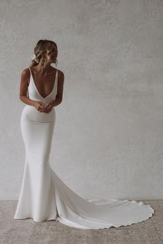Wedding Dress Low Back, Dream Wedding Dresses, Stunning Wedding Dresses, Classic Wedding Dress, Backless Wedding, Simple Classy Wedding Dress, Wedding Dress Sheath, Fitted Wedding Dresses, Cowl Neck Wedding Dress