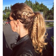 #dutchbraid #ponytail or #cghvikingbraid on myself -not sure if I did it correctly, but I do like the extra kick it gives to a regular ponytail #braid #braids #braiding #braidinghair #braidideas #instabraids #letti #letit #lettikampaus #letitys #hairdo #hairstyle #suomiletit #braidsforgirls #lettiohjeet