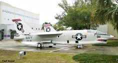 World Air Photo (@planenut27) | Twitter National Naval Aviation Museum, Chance Vought F8U Crusader. Restored with VFP-62 Colors