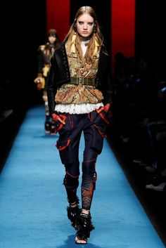 Dsquared2 Fall 2016 Ready-to-Wear Fashion Show