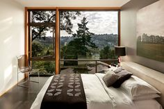 Cantilevered House in Seattle by Replinger Hossner Architects
