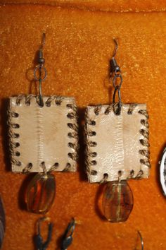 Eel skin with genuine chiapas amber. Handmade in Guatemala.$25.00