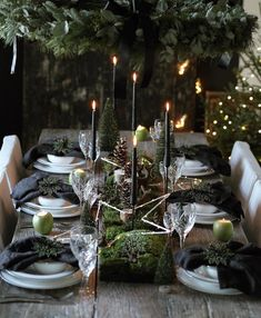 52 Incredible New Years Eve Table Decoration Ideas For Your Party - Looking for a fun idea to had some activity to a New Years Eve Party? It is fun, and gets everyone interacting and laughing while waiting to ring in t. Black Christmas, Noel Christmas, Rustic Christmas, Beautiful Christmas, Xmas, Nordic Christmas Decorations, Christmas Table Settings, Christmas Tablescapes, Holiday Tablescape