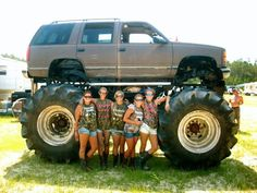 Trucks Gone Wild Michigan >> Big Trucks Trucks Gone Wild Vehicle Vixon Pinterest Biggest