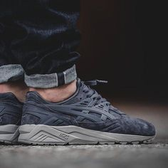 ASICS has been dominating the tonal suede look. Check out this new graphite grey colorway of the GEL-Kayano Trainer. Get a detailed on-foot look on SneakerNews.com. #sneakerfiend #sneakermates #instatag #sneakerheads #kicksonfire