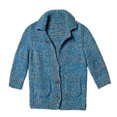 The cardigan with ribbed collar and rounded pockets is an all-rounder. It goes well with skirts, jeans and dress. Knitting instructions: Knit blue mottled jacket Source by veroknits Chrochet, Knit Crochet, Knit Jacket, Knitwear, Fur Coat, Jeans, Knitting, Skirts, Pattern