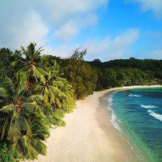 "𝙶𝚘𝚕𝚍𝚎𝚗 𝙷𝚘𝚞𝚛 𝚂𝚠𝚒𝚖𝚠𝚎𝚊𝚛 on Instagram: ""Silence is golden"" Les Seychelles, Silence Is Golden, Voyager Loin, Destinations, Golden Hour, Ocean, Sky, Beach, Water"