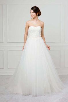 Le Moos One Shoulder Wedding Dress, Wedding Dresses, Fashion, Dress Wedding, Bride Dresses, Moda, Bridal Gowns, Fashion Styles, Weeding Dresses
