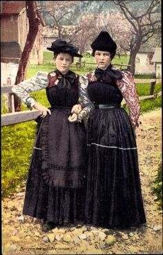 bregenzerwald tracht - Google-Suche Folk Costume, Costumes, German Folk, Austria, Costume Design, Traditional Outfits, Goth, Culture, Headpieces