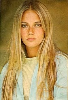 Peggy Lipton here you can see the nose is a triangle