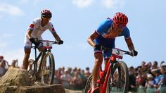 Kulhavy edges out rivals to claim gold Cross Country Mountain Bike, Mountain Bike Races, Mens Crosses, Olympic Games, Mtb, The Man, Olympics, Bicycle, Racing