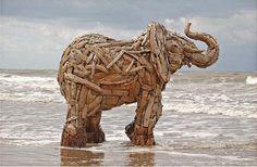 20 Amazing Driftwood Sculptures (Art) @Gilda Anderson Alai