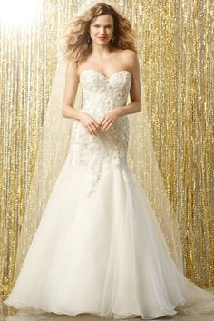 Wtoo Brides Vega Gown #watters #weddingdress http://www.pinterest.com/wattersdesigns/
