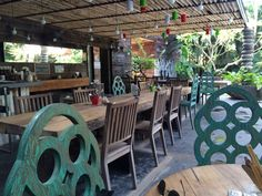Cultured Food Dining: Samadi Bali an Organic Cafe offering delicious organic and raw items as well as elixirs, juices and kombucha! Location: Echo Beach Canggu Bali