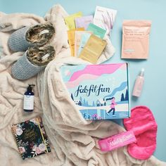 The 21 Best Splurge-Worthy Subscription Boxes – 2020 Readers' Choice Awards Skincare Subscription Box, Clothing Subscription Boxes, Best Subscription Boxes, Best Beauty Boxes, Eyelash Conditioner, Dark Eye Circles, Fab Fit Fun Box, Makeup Eraser, Faux Fur Blanket