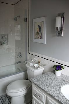 great open look for a smaller master bath