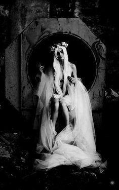 My Gothic Fantasy Dark Fantasy, Fantasy Art, Chica Gato Neko Anime, White Witch, Maquillage Halloween, Dark Photography, Foto Art, Gothic Art, Gothic Angel