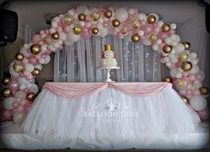 No photo description available. Birthday Backdrop, Birthday Balloons, Birthday Party Decorations, 4th Birthday, Sweet 16 Decorations, Balloon Decorations, Baptism Party Girls, Gold Dessert Table, Cake Table Backdrop