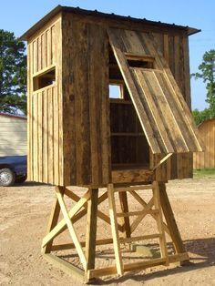 1000 ideas about deer hunting blinds on pinterest deer for How to make a deer stand out of wood