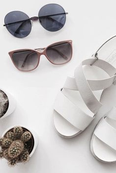 Every shape and every color has a different effect on our psyche. With the choice of the right glasses you can leave a lasting first impression.