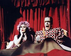 Fred Gwynne and Yvonne De Carlo in The Munsters The Munsters Movie, Movie Tv, 1313 Mockingbird Lane, Black Sheep Of The Family, Herman Munster, Lily Munster, Yvonne De Carlo, Crazy Women, Horror