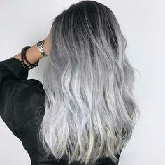Gray Hair Might Be A Sign Of Serious Viral Infection - Study - grey hair - Hair Styles Pelo Color Gris, Pelo Color Plata, Ombre Hair Color, Cool Hair Color, Grey Dyed Hair, Grey Hair Bangs, Black Roots Blonde Hair, Long Grey Hair, Brown Hair