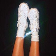 See more of freshvibezz's VSCO. Sock Shoes, Cute Shoes, Me Too Shoes, Harajuku, Grunge, Baskets, Mode Blog, Vogue, How To Pose