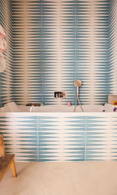 At home with Alice and Paul-Charles Ricard, on The Socialite Family. Socialite Family, Interior And Exterior, Interior Design, Yellow Bathrooms, Paris Apartments, Style Tile, Bathroom Interior, Basement Bathroom, Bathroom Wall