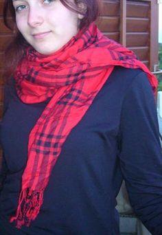 Sciarpa leggera rossa e nera / Black & Red Scarf