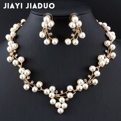 Rustic Wedding Jewelry, Indian Wedding Jewelry, Wedding Jewelry Sets, Fashion Jewelry, Women Jewelry, Crystal Fashion, Jewelry Accessories, African Beads, Jewelry Necklaces