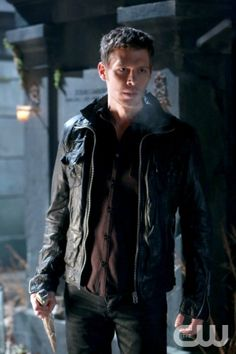 "The Originals -- ""Le Grand Guignol"" -- Image Number: OR115b_0735.jpg -- Pictured: Joseph Morgan as Klaus -- Photo: Quantrell Colbert/The CW -- © 2014 The CW Network, LLC. All rights reserved."