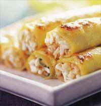 Canelones de Pollo... My suegritas recipe! Pasta Recipes, Chicken Recipes, Cooking Recipes, Mexican Food Recipes, Italian Recipes, Tapas, Food Porn, Good Food, Yummy Food