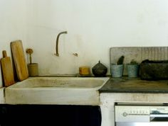 Our kitchen sink... Plumes & Feathers : Photo