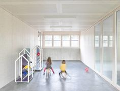 Kinder- und Familienzentrum Kifaz in Ludwigsburg - Geneigtes Dach - Bildung - baunetzwissen.de