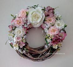 Celoroční věnec na dveře, přírodní réva - růže, hortenzie