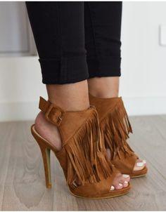 41bd88f7e17d Les 62 meilleures images du tableau Chaussures sur Pinterest   Boots ...