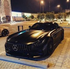 The post Batman! appeared first on Mercedes Cars. Mercedes Benz Amg, Carros Mercedes Benz, Benz Car, Mercedes 2018, Luxury Sports Cars, Best Luxury Cars, Sport Cars, Supercars, Carros Audi