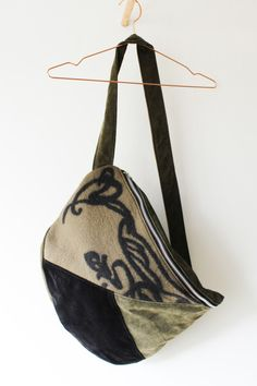 POUCH-BAG-DEEP-WOODS-OLIVE