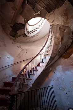 Inside Old Abandoned Mansions | Abandoned places hold an uncanny power over us. Often, we can feel the ...