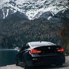 BMW // 🇩🇪🇩🇪 🔩Engine: L / / turbo & twin turbo 🐎Power: 431 hp sec 🏁Top Speed: 250 km Bmw M4, E60 Bmw, Ford Gt, Lamborghini, Ferrari, Carros Bmw, Toyota, Bmw Black, Volkswagen