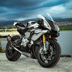 Although the average auto insurance policy does not include motorcycle insurance coverage, it is moderately simple to verify a custom fitted arrangement Motos Yamaha, Yamaha Motorcycles, Yamaha Yzf R1, Victory Motorcycles, R1 Moto, Moto Bike, Motorcycle Bike, R1 Bike, Bike Bmw