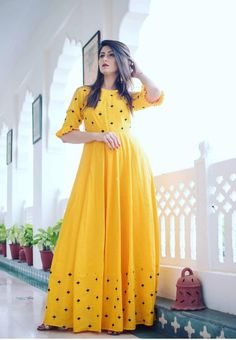 Indian Gowns Dresses, Indian Fashion Dresses, Maxi Gowns, Pakistani Dresses, Indian Outfits, Simple Kurti Designs, Stylish Dress Designs, Stylish Dresses, Long Gown Dress