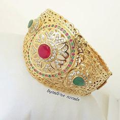 Indian Jewellery Design, Indian Jewelry, Jewelry Design Earrings, Jewelry Sets, Bridal Jewelry, Gold Jewelry, Moroccan Jewelry, Straw Bag, Cuff Bracelets