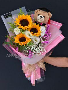 AH13 - RM 155 Sunflower Bouquet & Graduation Bear  #FloristShop #FlowerShop #KedaiBunga #小天使花屋 #AngelFloristGiftCentre #新山花店 #花店 07-3546142 #Wechat #WhatsApp 010-6608200