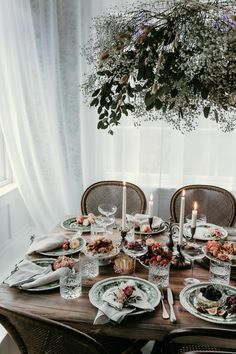 Lust For Life, Low Key, Table Settings, Dining Table, Table Decorations, Flowers, Christmas, Inspiration, Furniture